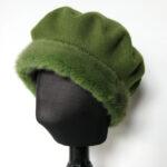 Grøn Alpehue, Baret i økologisk merino uld m. mink kant.