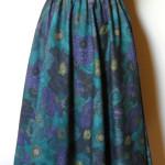 Nederdel syet af Liberty uld -bomulds stof. Samarkand har stort udvalg af nederdele syet af Jane Eberlein