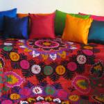 sengetæpper, suzani, bolig, boligindretning, tæpper, quilts, indiske sengetæpper, samarkand, jane eberlein, interiør, senge
