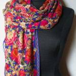 Broderet Kashmir uld sjal_tørklæde. Samarkand har stort udvalg af uld tørklæder.