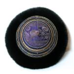 Pelshat håndbroderet med rævekant.Samarkand har stort udvalg af pelshatte og pelshuer.